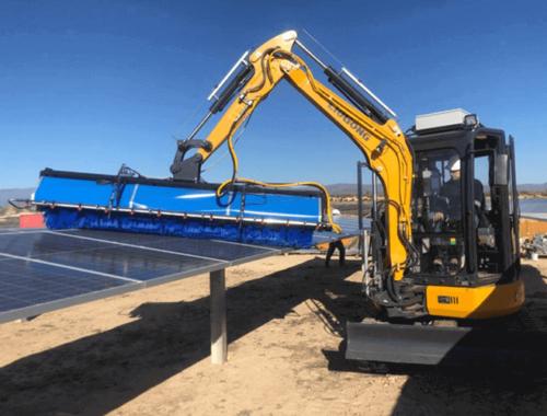 equipo para limpiar paneles solares con tracción por vehículo oruga
